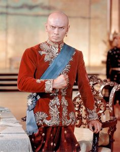 1956 Yul Brynner - The King and I - I have only seen the film version and tour versions, a classic Hollywood Stars, Hooray For Hollywood, Hollywood Actor, Golden Age Of Hollywood, Vintage Hollywood, Classic Hollywood, Yul Brynner, Deborah Kerr, Old Movies