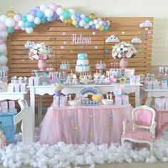 Nuage, coton, ballons: princesses et licornes! First Birthday Party Themes, Unicorn Birthday Parties, Unicorn Party, Baby Birthday, Girl Baby Shower Decorations, Baby Shower Themes, Birthday Decorations, Cloud Party, Lavender Baby Showers