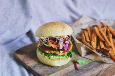 Een hamburger zonder vlees klinkt bijna hetzelfde als seizoen vijf van Pretty Little Liars: hartstikke saai.…