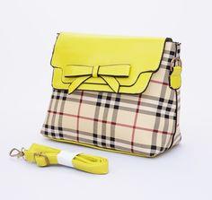 Tas Carlie Korean Fashion Bag, model casual trendy. Ada tali panjang. Warna kuning. Uk 26x9x20