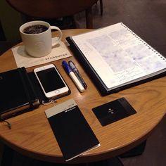ー 20160929 H21_K6A __ 朝スタバと勉強postです。 青白カクノくんで、自分の勉強です。  おはようございます。 今日の天気予報は雨後曇りです。 今日もスッキリしないですね。  今日もアウェイ仕事です。 出来る準備はしたので、 良い感触で終わりたいです。  まだ怖くて、iOS10更新が 出来てません。 ダウンロード済みですが、 どのくらい時間かかるかな。  仕事も勉強も、少しずつ進めます。  あまり変化の見えない写真で ごめんなさい。  今日も安全で便利な電気が 皆様に届きますように!  #万年筆 #カクノ #プレラ #勉強 #青ペン勉強法 #大人の勉強垢 #モニグラ #勉強垢さんと繋がりたい  #能率手帳 #能率手帳ゴールド #能率手帳gold #おっちゃん手帳 #手帳バンド #ノリスキン  #スタバ #スターバックス #スタバリザーブ #ドリップコーヒー 今日はKENです。 #ケニア  #カフェとノート部 #カフェ勉  #文房具  ___English___  Morning Starbucks and study post. A blue-white…