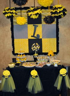 Preppy bumblebee party: Lindley is 2! | Chickabug