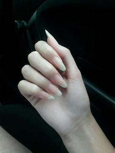 Want some ideas for wedding nail polish designs? This article is a collection of our favorite nail polish designs for your special day. Acrylic Nails Natural, Long Natural Nails, Long Nails, Long Almond Nails, Cute Nails, Pretty Nails, My Nails, Finger, Nail Polish
