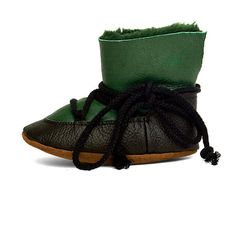 https://www.etsy.com/listing/253602326/baby-shoe-leather-baby-moonboots-baby?ref=shop_home_feat_4