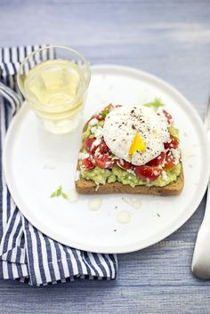 Avo and egg toast