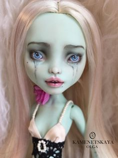OOAK Custom Monster High Doll Repaint by Olga Kamenetskaya Monster High Crafts, Custom Monster High Dolls, Monster High Repaint, Custom Dolls, Tiny Dolls, Ooak Dolls, Art Dolls, Eye Painting, Doll Painting