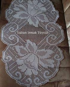 """276 Beğenme, 10 Yorum - Instagram'da Sultan Irmak Tüysüz (@sultans_design): """"İyi akşamlar Arkadaşlar ☘️☘️☘️ #dantel #sehpa #sehpaörtüsü #masa #masaörtüsü #masaortusu #crochet…"""""""