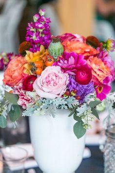 Arreglos florales protagonizados por el color rosa mexicano - Stephanie Yonce Photography