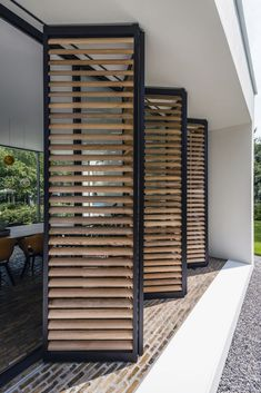 Unconventional shading using panels. You can choose from 9 types of Loggia sliding panels. Panels can be fill in with wooden or aluminium blades (fixed or moveable), with screen or canvas fabrics. Outdoor Shutters, Canopy Outdoor, Bbq Canopy, Outdoor Awnings, Casas Containers, Sliding Panels, Facade House, Interior Architecture, House Plans