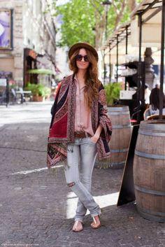 Poncho: Street style inspiration. - mytenida