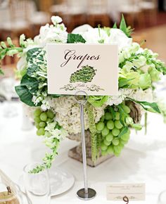 White Grape and Cabbage Centerpiece | Photo: Meg Perotti | blog.theknot.com