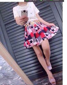 LILY 丽朋依家,五角星套装再次美艳来袭素色得上衣与鲜艳裙子相衬,五角星得可爱元素凸显衣衣得时尚感!舒适得面料,精致得做工,SML,DR799118