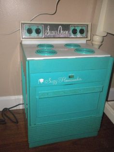 Reduced.....RARE Vintage Teal Suzy Homemaker by HitOrMissTreasures