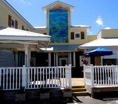 Lobstahs Tiki Hut