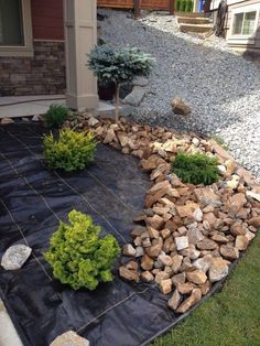 50 garden design with stones for backyard and front yard landscaping ideas to ma. - 50 garden design with stones for backyard and front yard landscaping ideas to make more beautiful 4 - Landscaping With Rocks, Outdoor Landscaping, Backyard Landscaping, Outdoor Gardens, Landscaping Design, Stone Landscaping, Backyard Ideas, Patio Ideas, Black Rock Landscaping