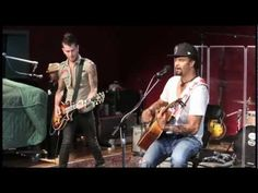 ▶ Michael Franti & Spearhead performing Say Hey (I Love You) - YouTube