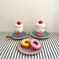 Image uploaded by neo culture *:・゚✧. Find images and videos about food, indie and aesthetic on We Heart It - the app to get lost in what you love. Kawaii Cooking, Cafe Food, Dessert Recipes, Desserts, Aesthetic Food, Food Design, Food Pictures, Sweet Recipes, Food Photography