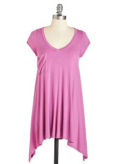A Crush on Casual Tunic in Orchid. If laid-back looks make you bat your lashes, then this vibrant pink-purple T-shirt will send your heart aflutter! #gold #prom #modcloth