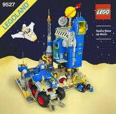 Check out this stunning LEGO Classic Space moonbase by yu chris. Not only does the model have excellent presentation as a set from the heyday of the theme, but it's beautifully put together too. And such variety — we've got a control tower, a rocket on a Lego Vintage, Technique Lego, Lego Space Sets, Space Toys, Classic Lego, Lego Spaceship, Lego Pictures, Lego System, Lego Mechs