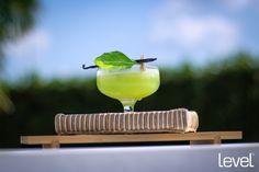 Apple Martini Vodka Liquore alla Mela Purea di Mela  limone zucchero