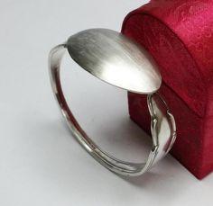 Nostalgische Silber-Armspange  Silberbesteck AB307 von Atelier Regina  auf DaWanda.com
