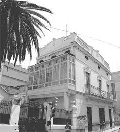 """Casa de la palmera de El Cabanyal: Más que el edificio, icono, descatalogado para su destrucción en 2009 tras una vida centenaria. """"El símbolo de la resistencia del barrio del Cabanyal."""