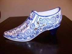 glass shoe, love the prints Ceramic Shoes, Glass Ceramic, White Shoes, Blue Shoes, Glass Shoes, Nick Nacks, Floral Shoes, Blue And White China, Glass Slipper