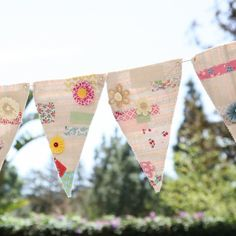 With muslin and fabric scraps you can create these fabulous party flags with no sweat. Step by step pictures are included.