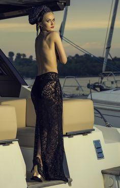 Fusta lunga din dantela neagra Sensuality este genul de fusta care exprima senzualitate si relaxare, potrivindu-se oricarei tip de silueta. Sensuality devine elementul cheie din tinuta purtata la evenimentele nocturne la care sunteti invitata. Se poate purta cu slip si cu bustiera. 50th, Lace Skirt, My Style, Skirts, Fashion, Moda, Fashion Styles, Skirt