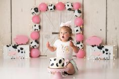 Cow Print Birthday, Farm Birthday Cakes, 1 Year Old Birthday Party, Farm Animal Birthday, First Birthday Party Themes, 1st Birthday Cake Smash, Baby Girl 1st Birthday, Birthday Ideas, Cow Print Cakes