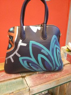 Bolso pintado a mano