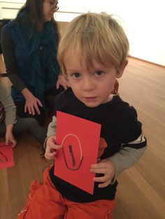 Pre-school students COMPARED their relief contour to the leaves of #GeorgiaOKeeffe at the #PhillipsCollection #StemtoSTEAM #PRISMK12 @Philllipscollection #InspiredTeachingPublicCharterSchool