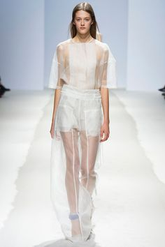 Christian Wijnants Spring 2014 Ready-to-Wear Collection Slideshow on Style.com