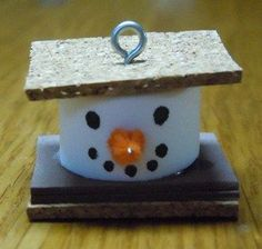 Christmas craft instructions to make S'more Snowman Ornaments from craft foam, cork and pipe cleaners. Snowman Crafts, Snowman Ornaments, Christmas Projects, Holiday Crafts, Christmas Ideas, Christmas Blocks, Christmas Mantles, Dough Ornaments, Wooden Ornaments