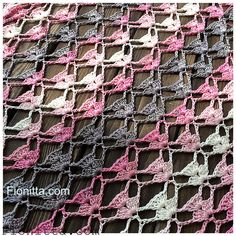 Yarn: Alize Diva Batik Design , 100 microfiber, color 3303 pattern for a rectangular shawl as the photo pattern for a triangular shawl Crochet Shawl Diagram, Freeform Crochet, Crochet Lace, Crochet Stitches Patterns, Baby Knitting Patterns, Crochet Designs, Free Knitting, Dress Design Patterns, Dress Designs
