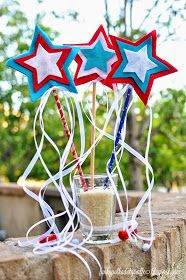Funky polkadot giraffe: fourth of july star wands. 4th Of July Cake, 4th Of July Nails, Fourth Of July, July Crafts, Summer Crafts, Crafts For Kids, Picnic Decorations, Star Wand, 4th Of July Parade