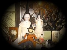 displaying antique china dolls - Google Search Doll Display, China Dolls, China Girl, Antique China, Doll Houses, Minis, Google Search, Studio, Halloween