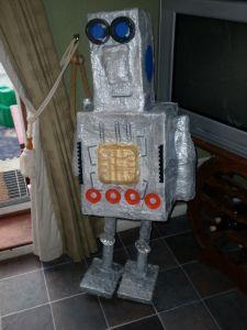 P1000088 Junk Modelling, Challenge Ideas, Primary Classroom, Robots, Challenges, Kids, Art, Young Children, Art Background