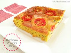 Want to make a Zucchini Slice that's a little bit fancy! This Thermomix Tomato, Prosciutto & Zucchini Slice looks great, tastes amazing and is so easy! Lunch Box Recipes, Low Carb Dinner Recipes, Good Healthy Recipes, Cooking Recipes, Healthy Dinners, Healthy Treats, Healthy Cooking, Lunch Ideas, Diet Recipes
