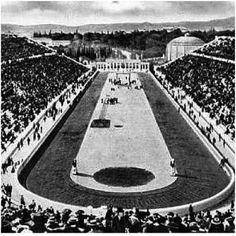 Los Juegos Olímpicos de 1904 vieron como Estados Unidos ganaba casi todas las medallas, por la sencilla razón de que prácticamente solo había atletas estadounidenses. Los juegos se desarrollaron en Saint Louis, y el viaje era demasiado caro para numerosos atletas europeos por lo que no participaron. De 651 atletas, solo 52 no eran norteamericanos o canadienses. La competición parecía un campeonato nacional. #EstadosUnidos #1904 #jeux-olympiques…