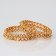 Gold Jewelry Design In India Gold Jewelry For Sale, Gold Jewelry Simple, Black Gold Jewelry, Jewelry Sets, Bracelets Design, Gold Bangles Design, Gold Jewellery Design, Jewellery Diy, Jewellery Showroom