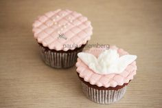cup cakes batizado menina - Pesquisa Google