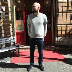 #sunglasses #rayban #sweatshirt #crossley #jeans #levis #shoes #volta