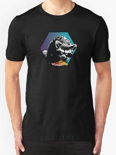 An awesome black shirt with a badass trash panda stealing your dinner? Game Logo, Rave Wear, Casual Wear, Badass, Funny Animals, Panda, Street Wear, Classic T Shirts, Tee Shirts