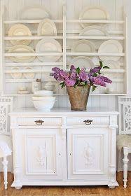 VIBEKE DESIGN: Vakre gamle møbler..