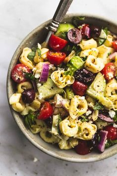 Try Greek Tortellini Pasta Salad! You'll just need SALAD, 1 pound cheese tortellini pasta (either fresh, or dried - cooked according to package's. Pasta Salad With Tortellini, Cheese Tortellini, Vegan Tortellini, Healthy Recipes, Vegetarian Recipes, Cooking Recipes, Veggie Greek Recipes, Drink Recipes, Italian Recipes