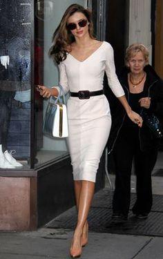 Miranda Kerr a New York Miranda Kerr Style, Miranda Kerr Fashion, Lily Aldridge, Kendall Jenner Outfits, Eva Longoria, Victoria Dress, Red Carpet Dresses, Alexa Chung, The Duff