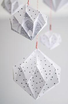 Paper diamonds by s i n n e n r a u s c h. Tutorial here http://designoform.com/crafts/tutorial-paper-diamonds-diy/