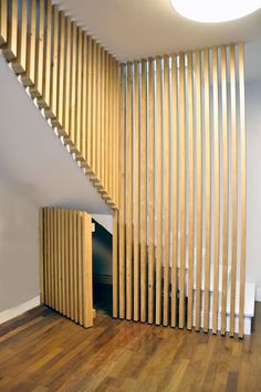 Ideas basement stairs handrail staircase design for 2019 Black Stair Railing, Stair Handrail, Stair Art, Rustic Stairs, Escalier Design, Tiny House Stairs, Room Partition Designs, Small Fireplace, Stair Storage