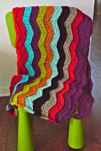 Colorful Chevron Afghan Freebie, yay: love the 3D Look and adore ripples in general, thanks so xox